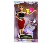 Куколка с аксессуарами